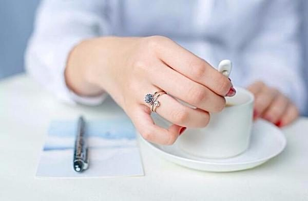 серебрянные Личное: Кольцо Живописный цветок фото 18