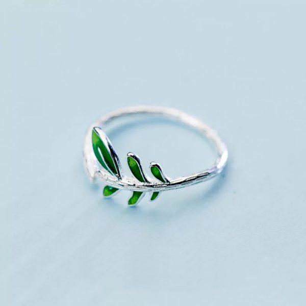 Кольцо Нежные листья недорого