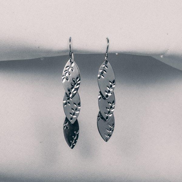 Серьги Серебряные листья недорого