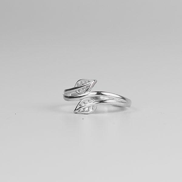 Кольцо Серебряные листья купить