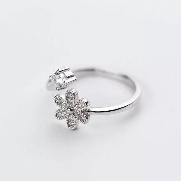 Кольцо Цветок недорого