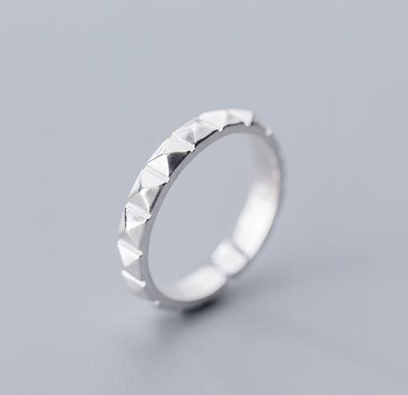 Кольцо Серебряные Грани купить