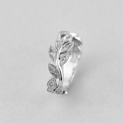 Кольцо Цветочное недорого