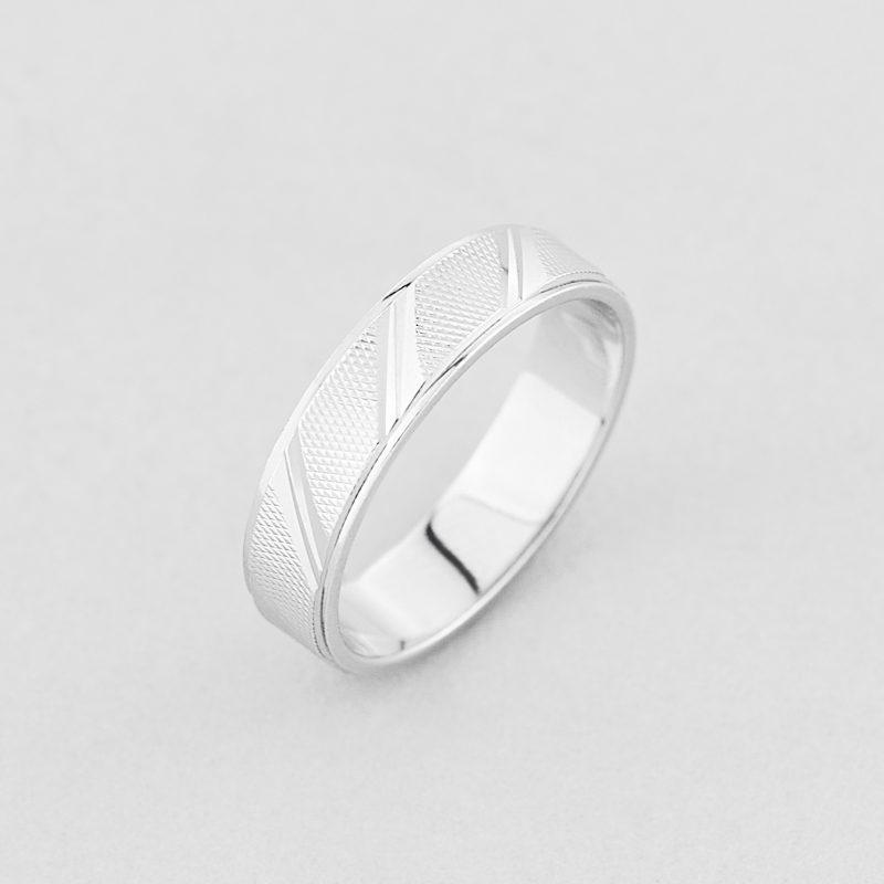 Кольцо обручальное Фаворит недорого